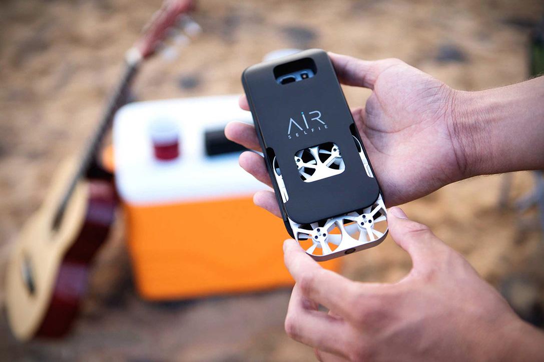 AirSelfie-Handheld-Drone-4